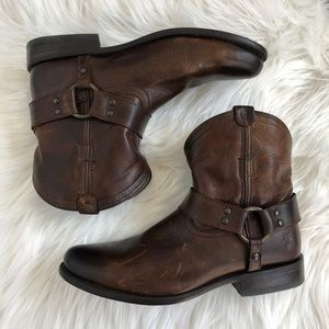 Frye Wyatt Harness Short Boot Brown